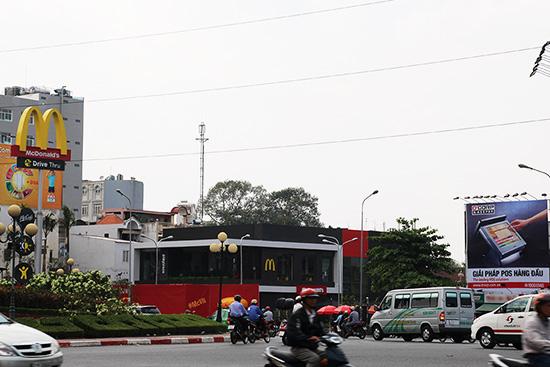 cửa hàng McDonald's đầu tiên tại Vietnam