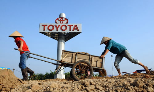Người Nhật giàu nhờ công nghiệp, Việt Nam giàu nhờ bất động sản